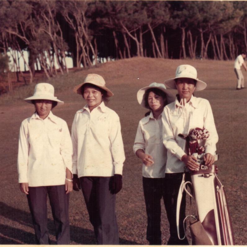 1969年 新豐球場桿弟(右一)