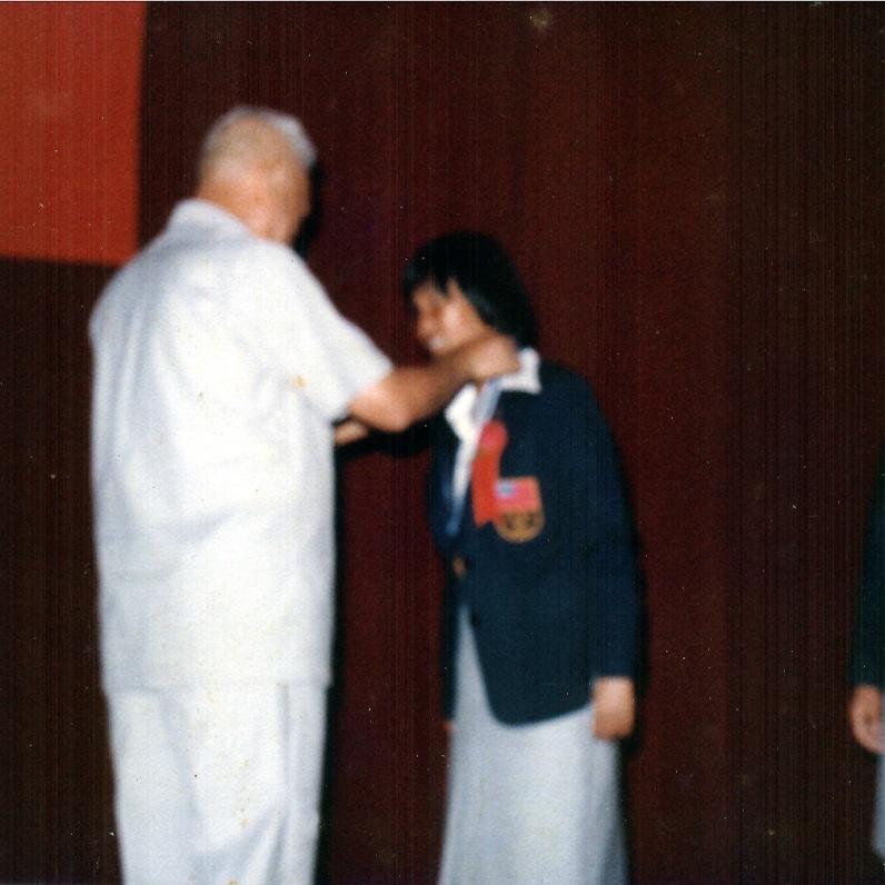 1980年獲頒國光獎章 與黎玉璽將軍