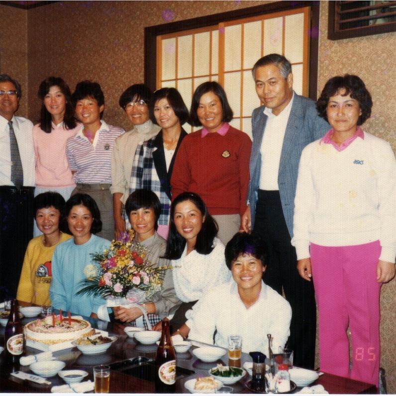 1985年與廣濟堂平本社長